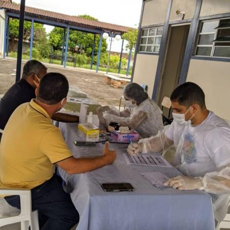 Covid-19: Saúde realiza testagem de profissionais da educação; administração e assistência