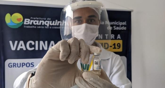 Saúde começa a aplicar vacina da Janssen contra a Covid-19
