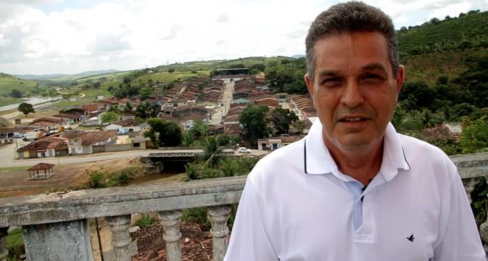 Prefeito Neno Freitas anuncia revitalização de mirante