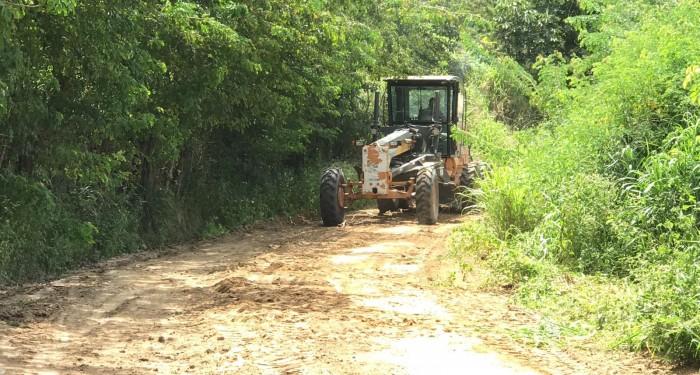 Prefeitura intensifica ações de melhorias nas estradas de acesso à zona rural