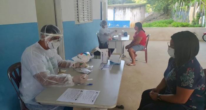 Saúde intensifica ações de enfrentamento à Covid-19 na feira livre