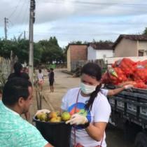 Parceria entre secretarias garante entrega de mais de 8 toneladas de alimentos da agricultura familiar