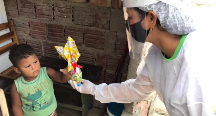 Prefeitura entrega ovos de Páscoa para crianças e gestantes assistidas em programas sociais